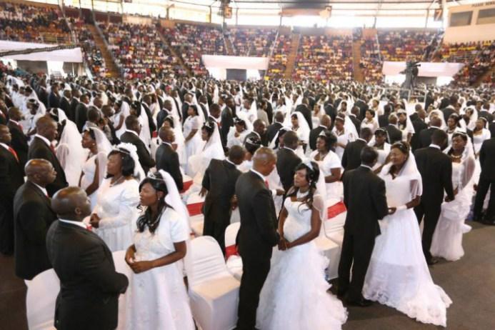 Cleric sponsors Mass-Wedding