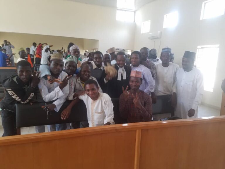 Finally, Court Discharges, Acquits 100 Shiite Members in Kaduna