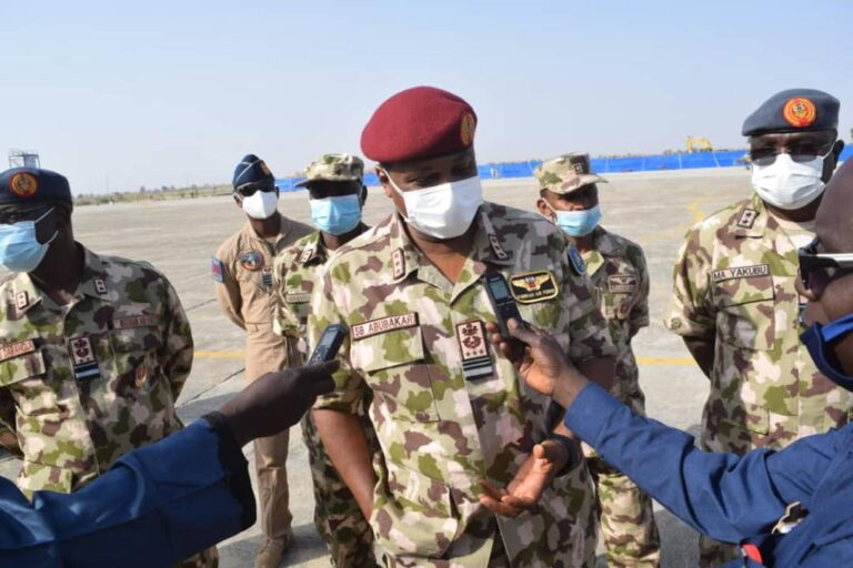 Air Chief Joins Troops on the Frontline for Christmas