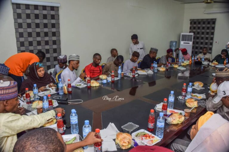 At Iftar Dinner, Young Journalists Tasked on Objectivity, Positive Narratives in Reportage