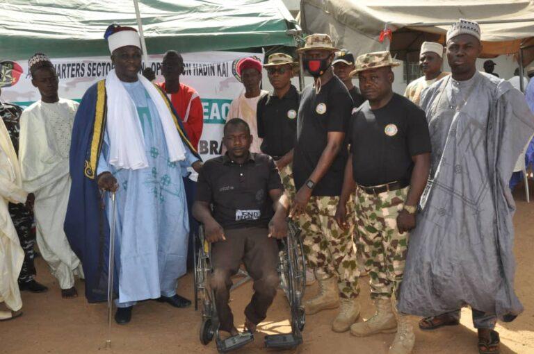 NADCEL 2021: Nigerian Army Provides Medicals to Emir, 4500 Damaturu Residents
