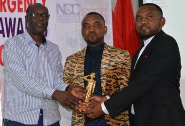 Mallam Yusuf Alli presents SAEMA Award 2019 to Twins Police Officers, Hassan and Husseini Gimba in Abuja