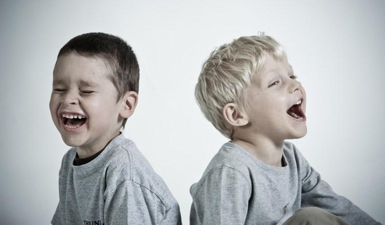 Por que meu filho não para de falar cocô, xixi, pum e bumbum