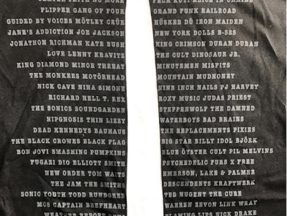 Baixista do Pearl Jam rouba a cena no Hall of Fame ao usar camiseta com nomes de bandas ignoradas pelo evento