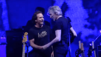 Eddie Vedder canta em show do Roger Waters em Chicago