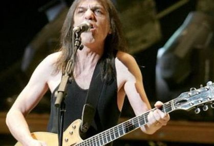 Morre Malcolm Young, guitarrista do AC/DC