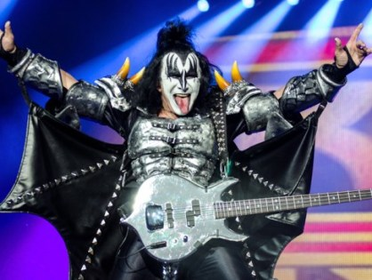 Gene Simmons do Kiss é processado por assédio sexual