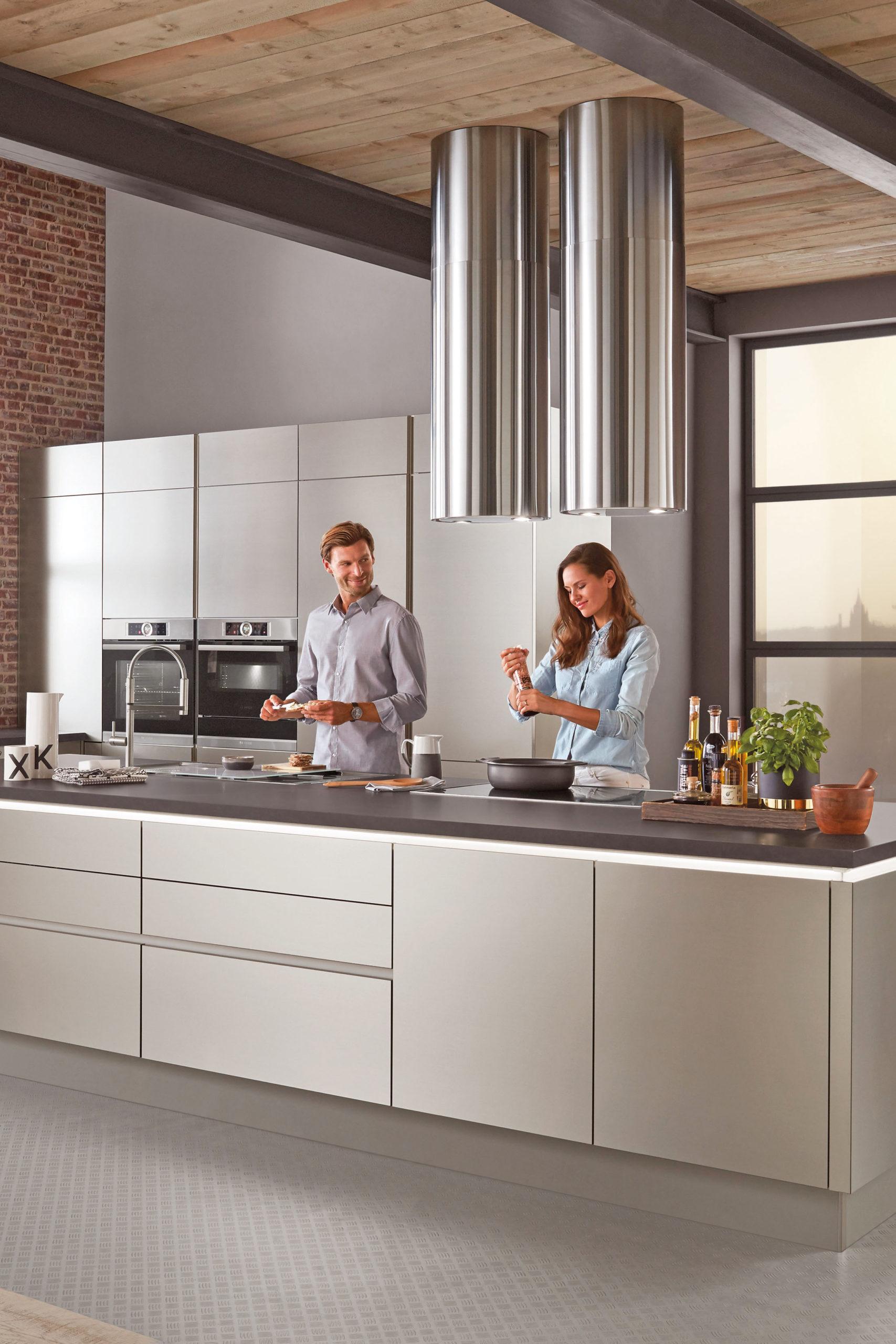 Zentrale Kücheninsel - Küchenplanung - Kochvergnügen nach Maß