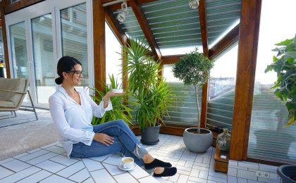 Wintergarten mit modernem Sonnenschutz