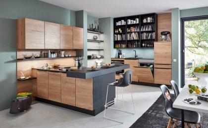 Holz- und Betonoptiken in der Küche