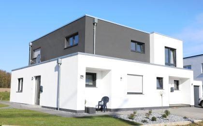 Haus mit Staffelgeschoß