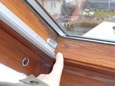 Schimmel am Dachflächenfenster Velux Laibung & Holzrahmen Roto