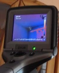 Immobiliencheck-Hausinspektion Kosten Immobiliengutachter verwendet moderne Messtechnik Schimmelpilze im Haus