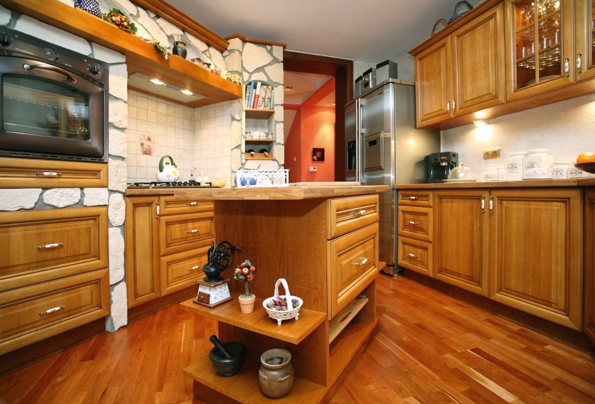 Kuchnia romantyczna – kolor karmelowy
