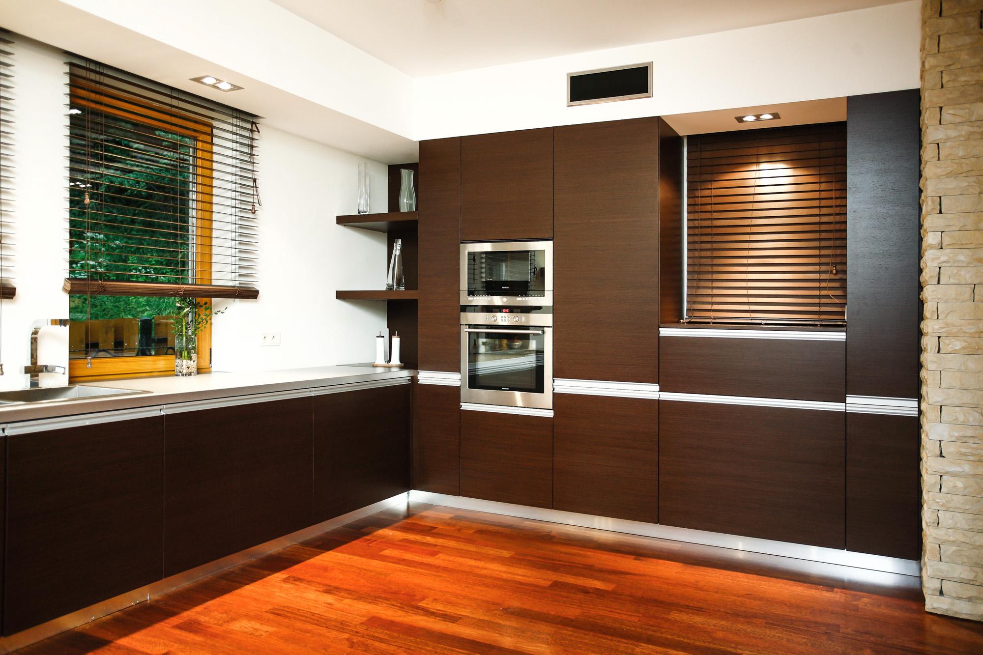 Kuchnia nowoczesna – dwie ściany zabudowy