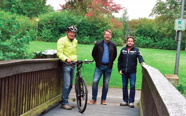 Arbeiten an Holzbrücken im Stadtpark abgeschlossen – Rutschgefahr deutlich vermindert