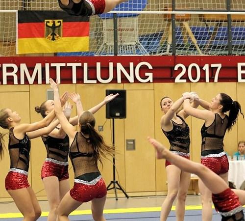 In Baunatal haben sich Deutschlands Sportakrobaten getroffen, um für den Nachwuchsbereich die Deutschen Meister zu küren.