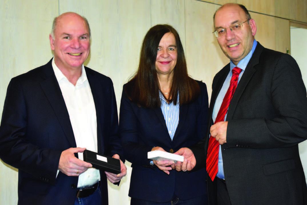 Vorsitzender Manfred Werner und dessen Stellvertreterin Kerstin Krug mit großem Lob für zwölf erfolgreiche Jahre im TSV Hertingshausen - Vorstand verabschiedet