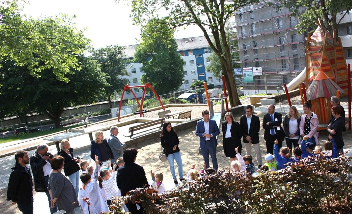 Feierliche Einweihung des Spielplatzes an der Birkenallee in Baunatal