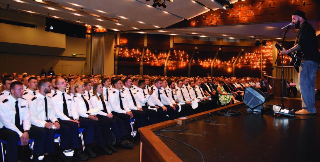Graduierungsfeier in der Baunataler Stadthalle - 97 Absolventen der Polizeihochschule zu Kommissaren ernannt