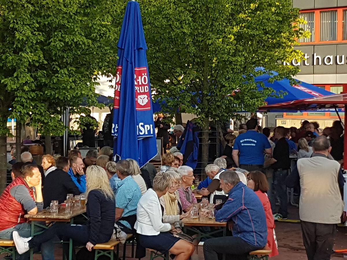 Biergarten Europaplatz Baunatal startet. Baunataler zapfen für den guten Zweck!