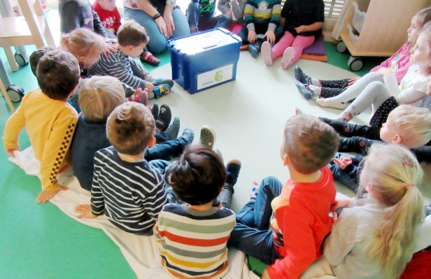 Baunatal, Bilderbuchboxen, Vorlesetag