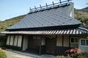 菱葺き古民家 京都府亀岡市の改装工事 設計から監理まで 江戸時代の建物 デザインはBAUS工藝社 工事中は耐震補強工事も施工