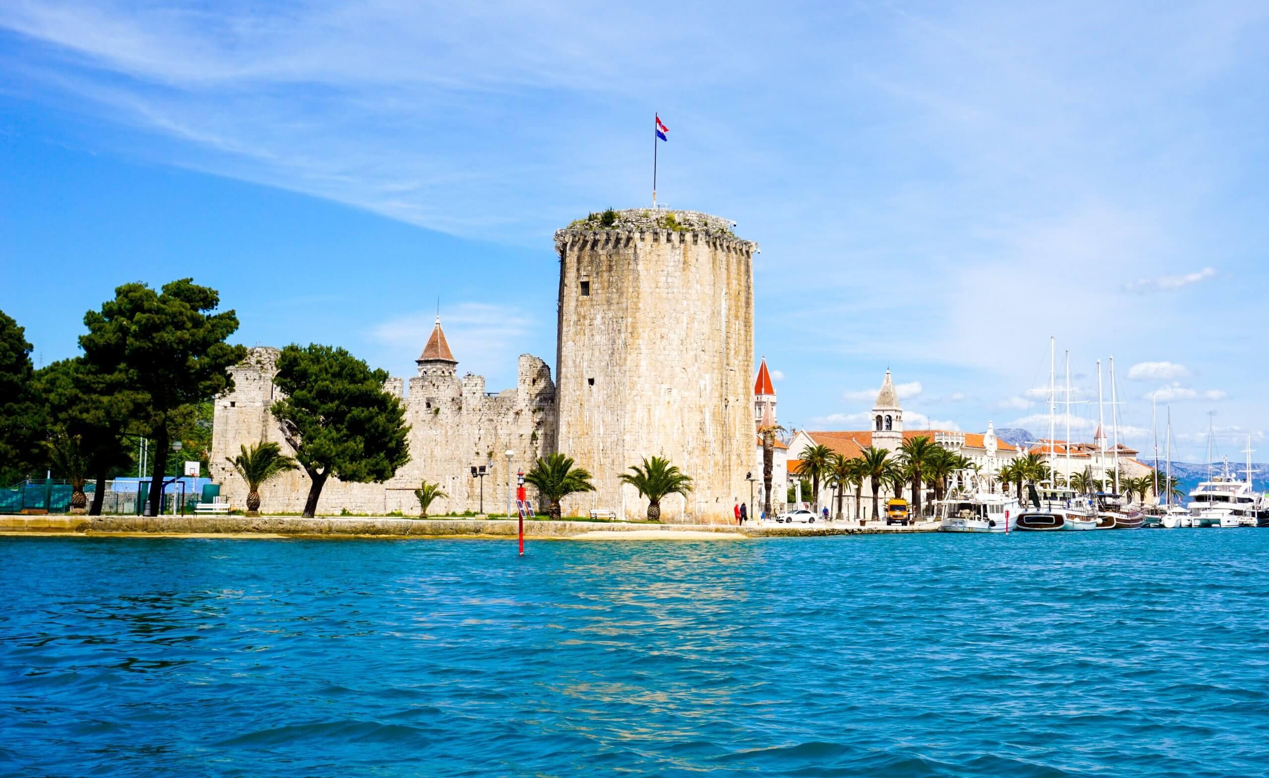 Nastavlja se 'zelena' transformacija: Trogir potpisao Akcijski plan smanjenja plastičnog onečišćenja
