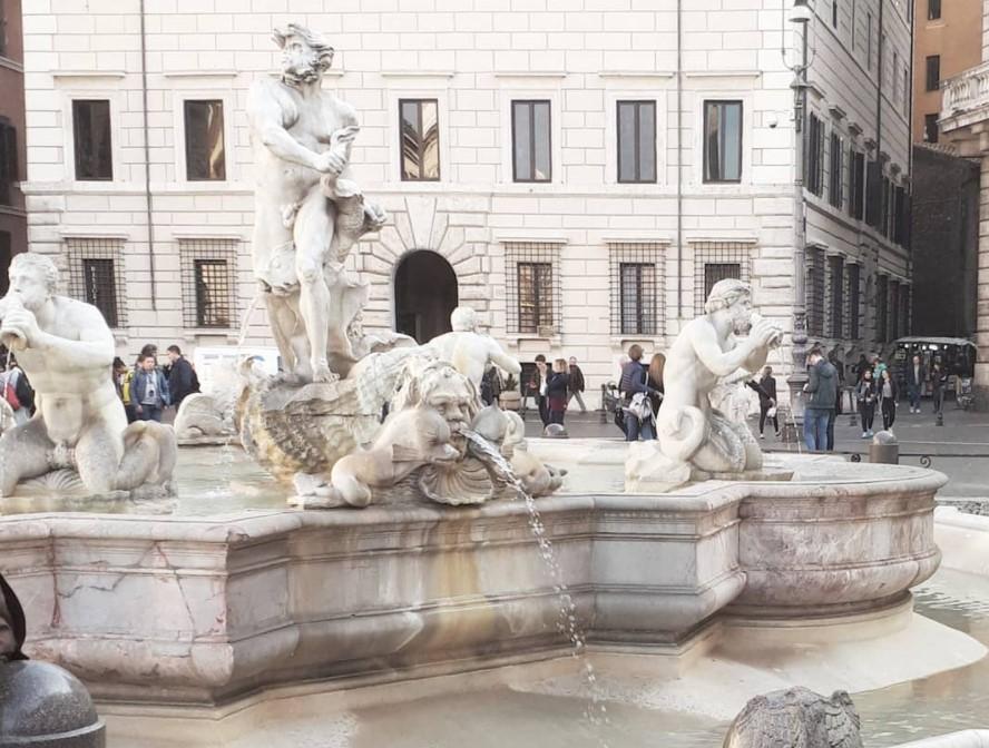 [FOTO] Znate li prepoznati u kojem europskom gradu se nalazi ova fontana?