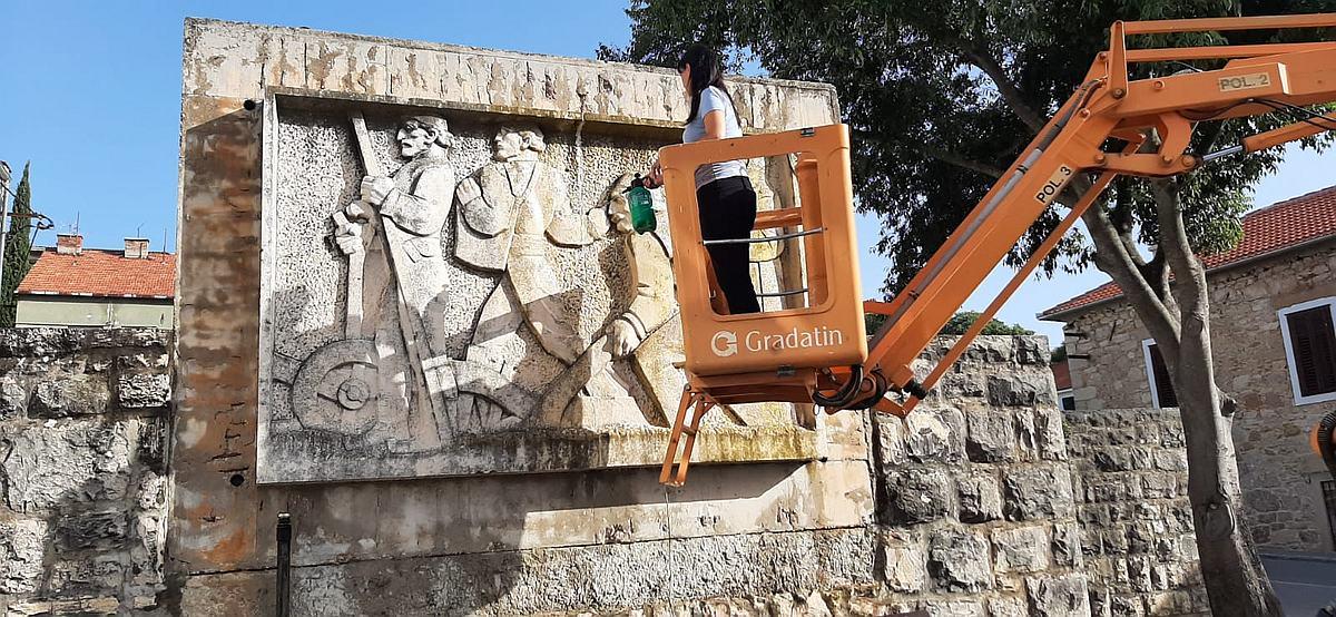 Studentica akademije ljeto je odlučila iskoristiti radno pa restaurira djela najistaknutijeg hrvatskog umjetnika