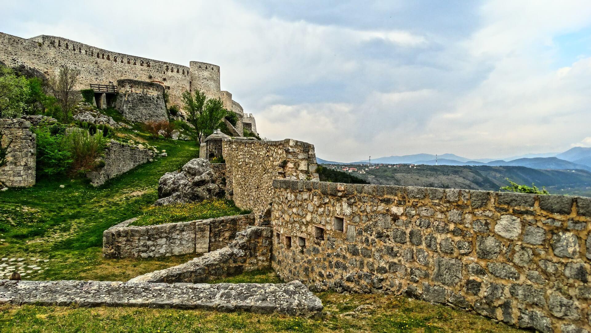 [FOTO] Znate li prepoznati najveću fortifikacijsku utvrdu u Dalmaciji?