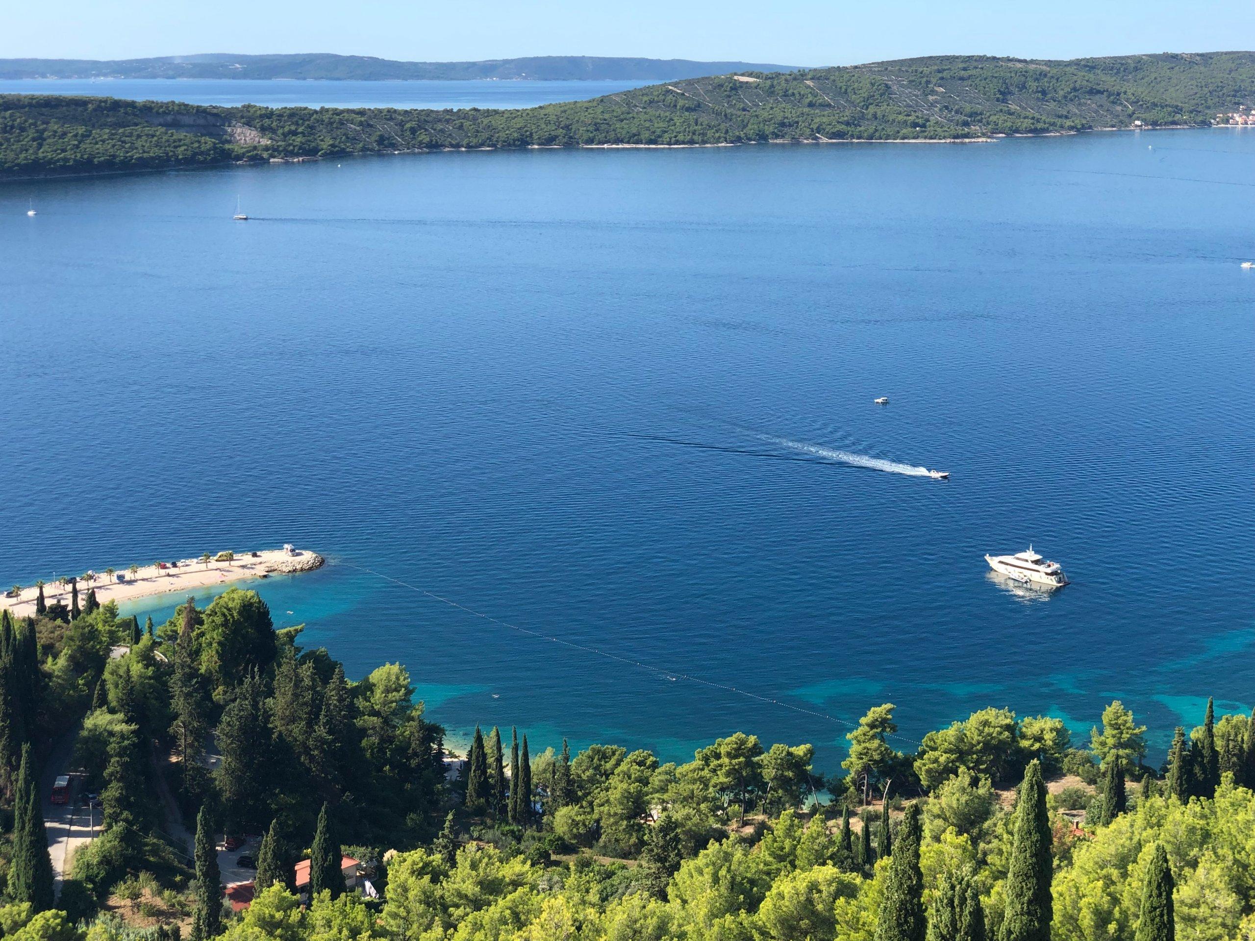 Policija privela bespravnu graditeljicu u Splitu: Bila je agresivna prema čuvaru i policajcima