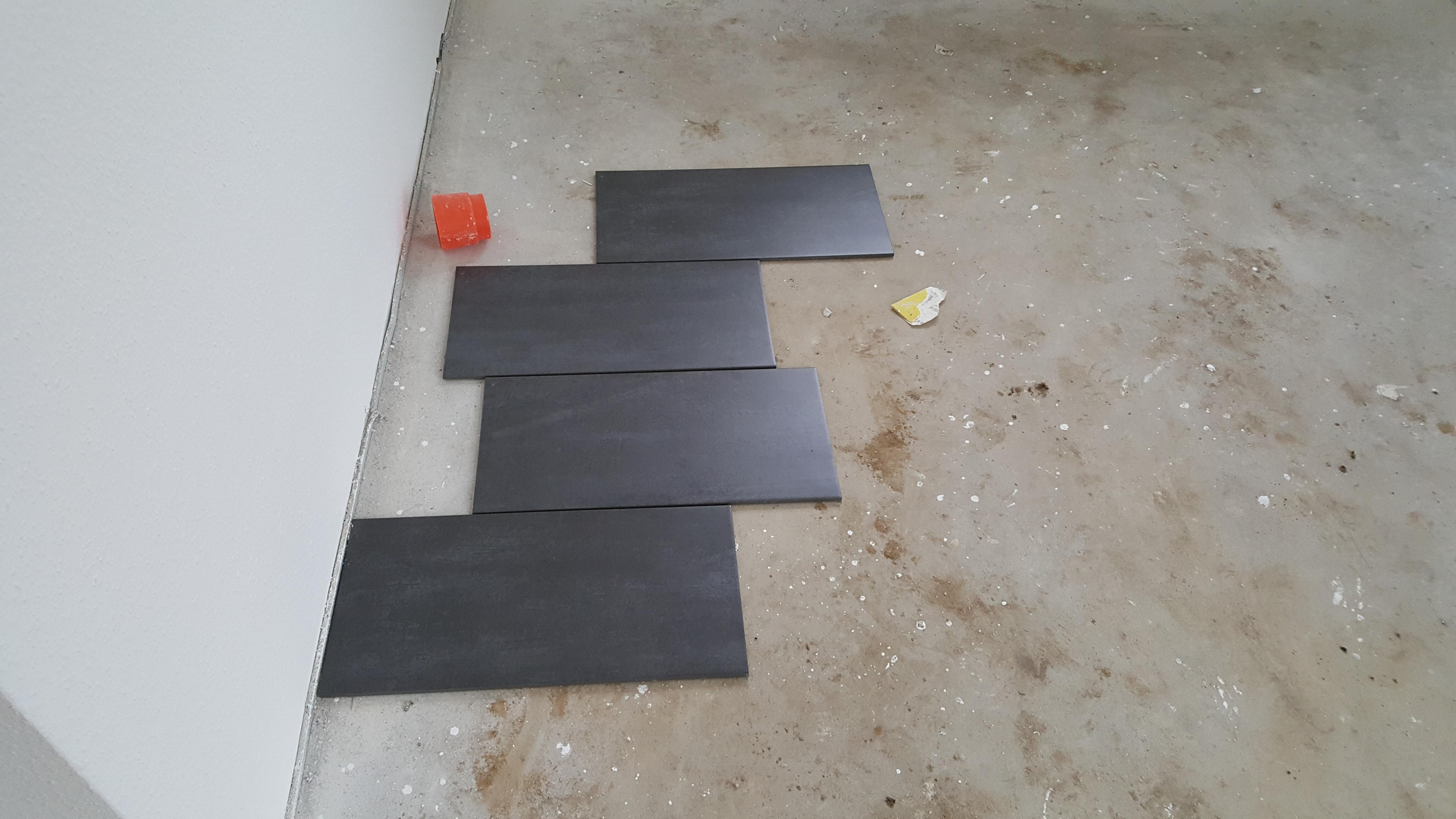 juhu es ist zeit f r die fliesen bautagebuch gotlindestrasse. Black Bedroom Furniture Sets. Home Design Ideas