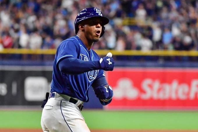 ¡Un espectáculo! Wander Franco debuta con jonrón de tres carreras en la MLB