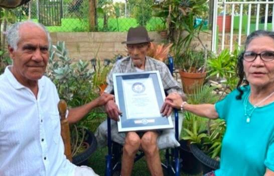El hombre más viejo del mundo cumple 113 años