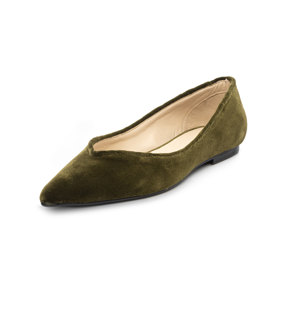 Hand made shoes in green velvet and leather