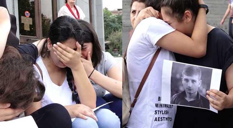 Մոմավառություն՝ ի հիշատակ ակտիվիստ Կարեն Մարգարյանի (Տեսանյութ)