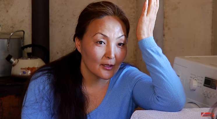 Երգչուհի մոնղոլ կինն, ով հայ ամուսնուն 2 զավակ է պարգևել, այժմ ապրում է Հայաստանում և խոսում է հայերեն (Տեսանյութ)