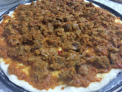 Loaded pizza with mutton