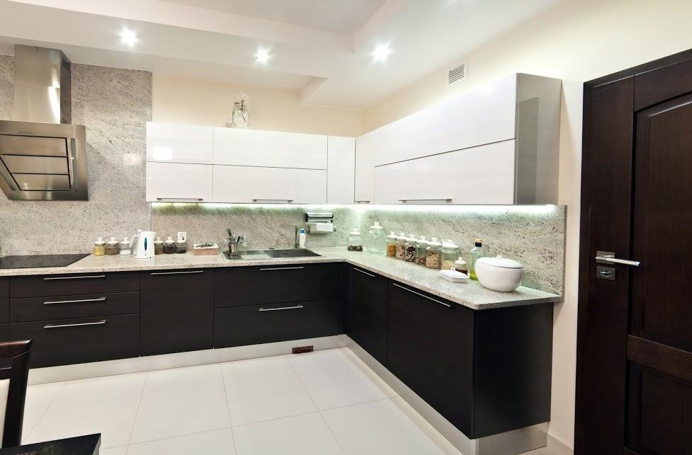 moderne küche in schwarz-weiss   bauen und wohnen in der schweiz, Hause ideen