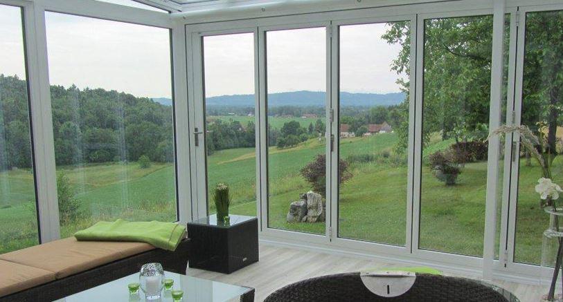 faltw nde f r wintergarten bauen und wohnen in der schweiz. Black Bedroom Furniture Sets. Home Design Ideas