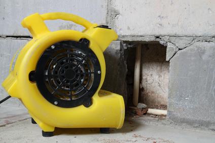 Feuchtigkeit durch fehlerhafte Wärmedämmung - Bautrockner