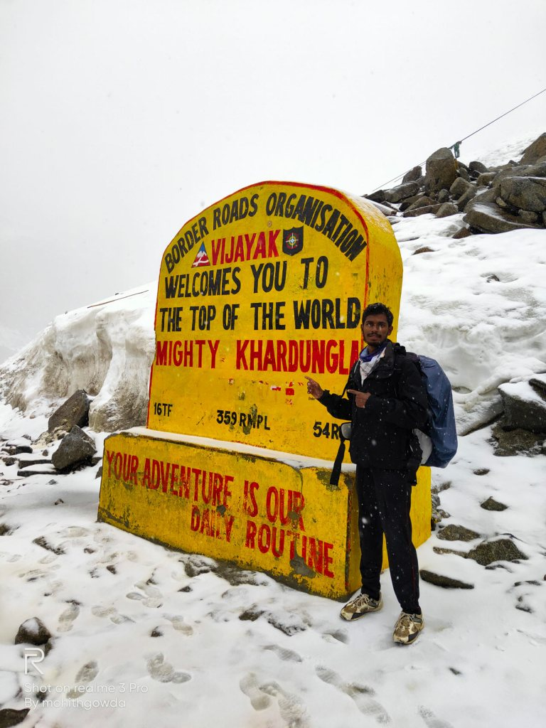 Mohith Gowda reached Khardung La Top onfoot from Manali