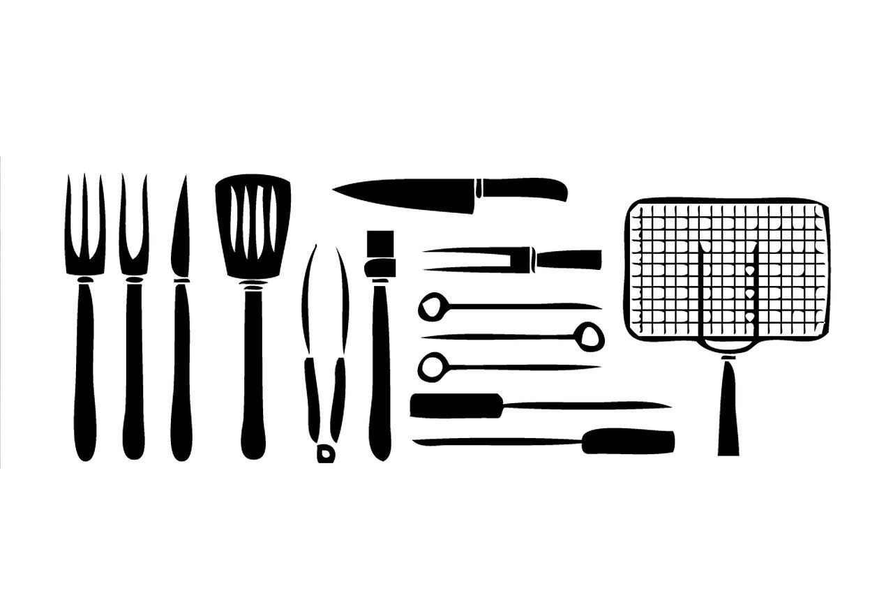 Top 5 Bbq Tools To Use With Your Outdoor Bbq This Summer