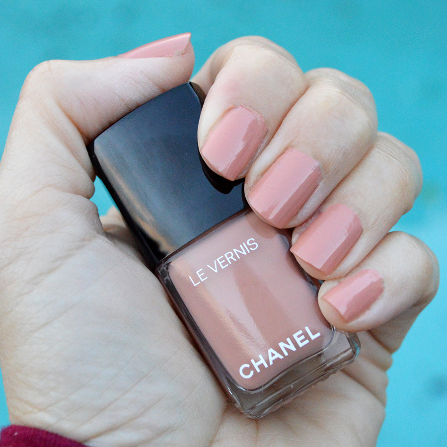 Chanel Beige Nail Polish Spring 2017 Review