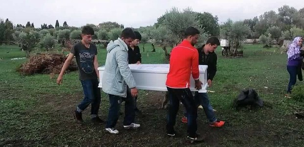 Four days after the incident, al-Faj decided to bury his four children's bodies in a Muslim cemetery on another Greek island, Kos.