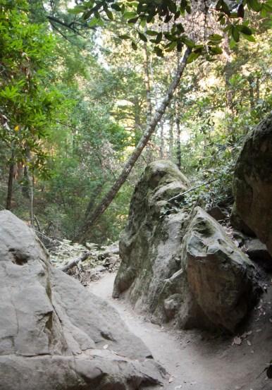 Castle Rock-trail through two rocks