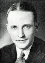 Glenhall Taylor at KTAB, 1932