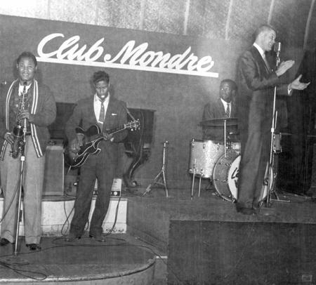 Bill Doubleday at Club Mondre (Photo)