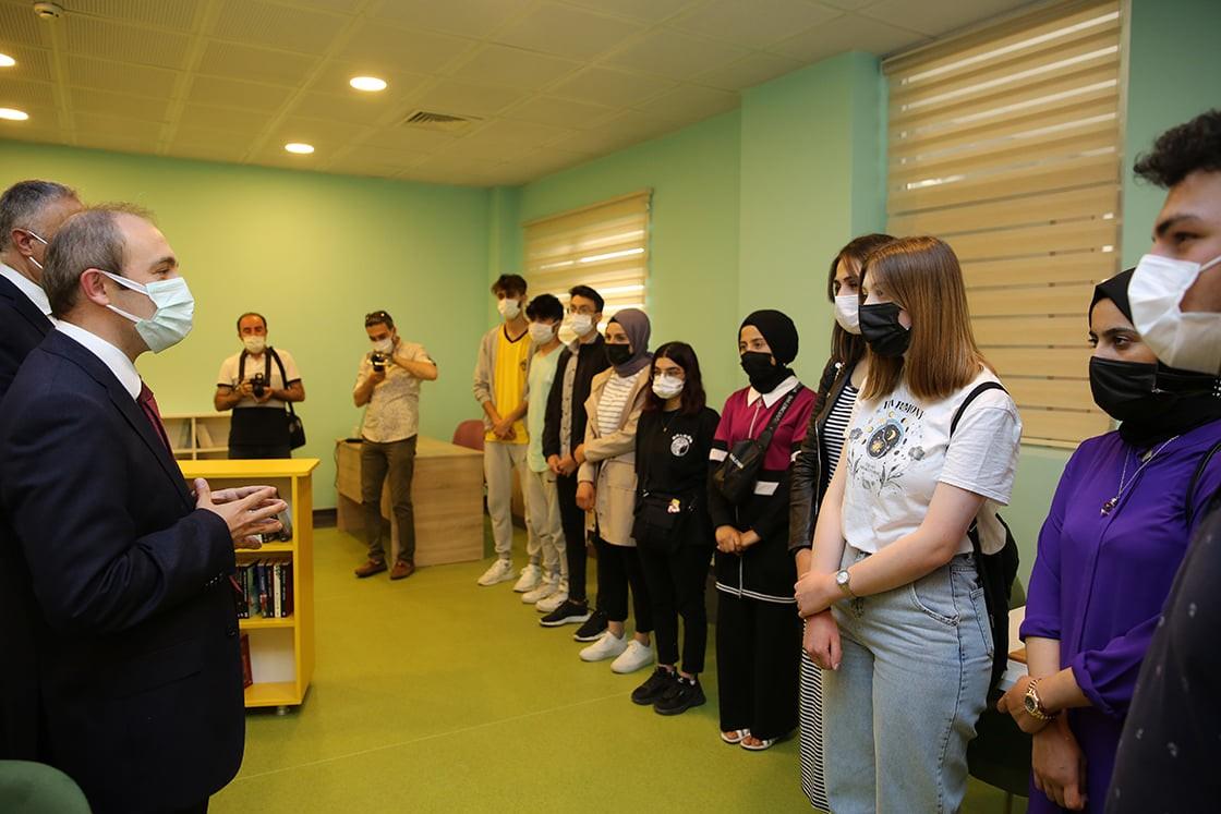 Vali Epcim, z kütüphane ve okçuluk atölyesi açılışına katıldı